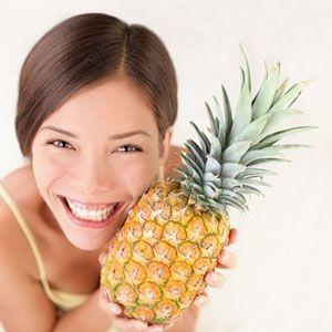 La dieta de la piña es una dieta que ha alcanzado bastante popularidad por la efectividad y rapidez de sus resultados. Consiste en comer esta fruta durante todas las comidas del día, junto a otros alimentos hipocalóricos.  Esta dieta propugna que al día sólo se deben hacer 3 comidas y en ellas se debe