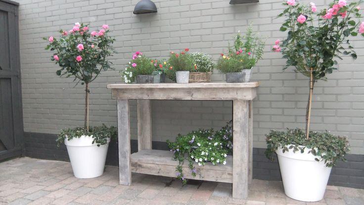 Oppottafel voor in de tuin of terras.