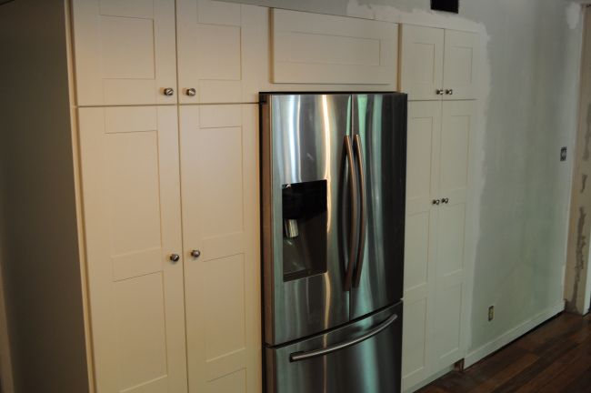 Ikea cabinets built in pantry and refrigerator the cul for Ikea fridge cabinet