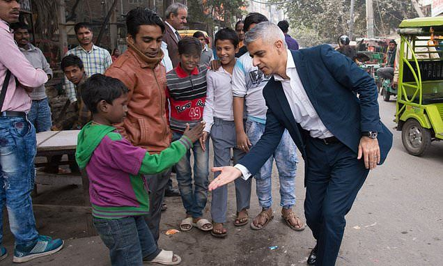In pictures: Sadiq Khan meets cricket and Bollywood stars on India visit - Daily Mail #FansnStars