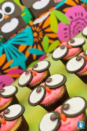 Owl birthday party ideas! Owl cupcakes with Oreo eyes!