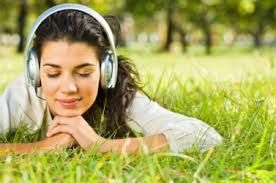 Tips For Using The Headphone #earbuds #Supra_Aural_Headphone #In-Ear_Headphone #Circumaural_Headphone #Noise_Isolating_Headphone #Noise_Cancelling_Headphone #wireless_headphone #headphone