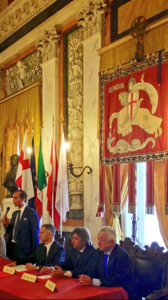 Genova'da, ilk başkanımızın ve merkezimizin adını taşıyan Garibaldi Caddesi'ndeki görkemli Belediye Sarayı'nda görkemli bir törenle iki kent kardeş oldu.