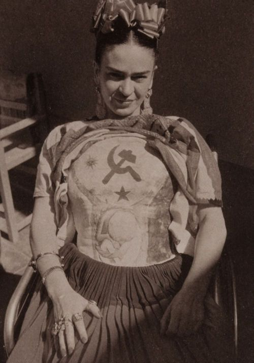 Frida Khalo. This leads to a short, but interesting, article about Frida, Diego, her injuries, her perseverance. I was never aware that later in life, she lost a leg. She created art, beauty, and strength out of chronic pain, both physical and emotional. An amazing woman.