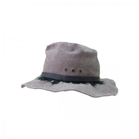 Hat Cowboy With leather finishing and feathers.