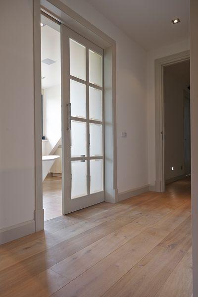 [ Modern white doors ] Interieurontwerper: Harry Boley #modern #design #doors #deuren #interiordesign #interieur #parket #vloer #white #wit