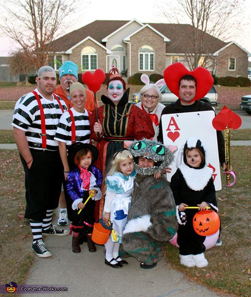 Alice In Wonderland Halloween Costume Family.Alice Wonderland Characters Costume Ideas Sexy Cheshire Cutie