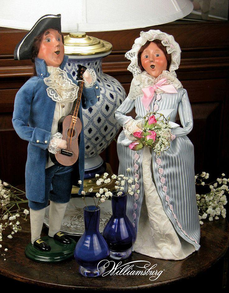 Byers Choice Carolers 2013 Williamsburg Colonial Man Serenading Woman Bouquet | eBay