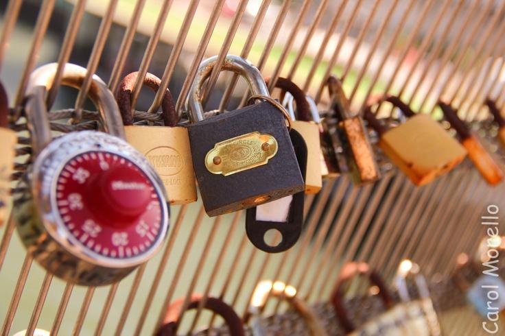 Ponte dos cadeados - France