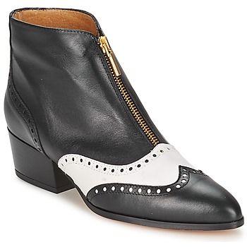 Podemos decir que la bota para mujer #Clov de la marca #Fericelli destaca  por su estilo. Por un lado, su color negro muy actual, y por otra parte su  corte ...