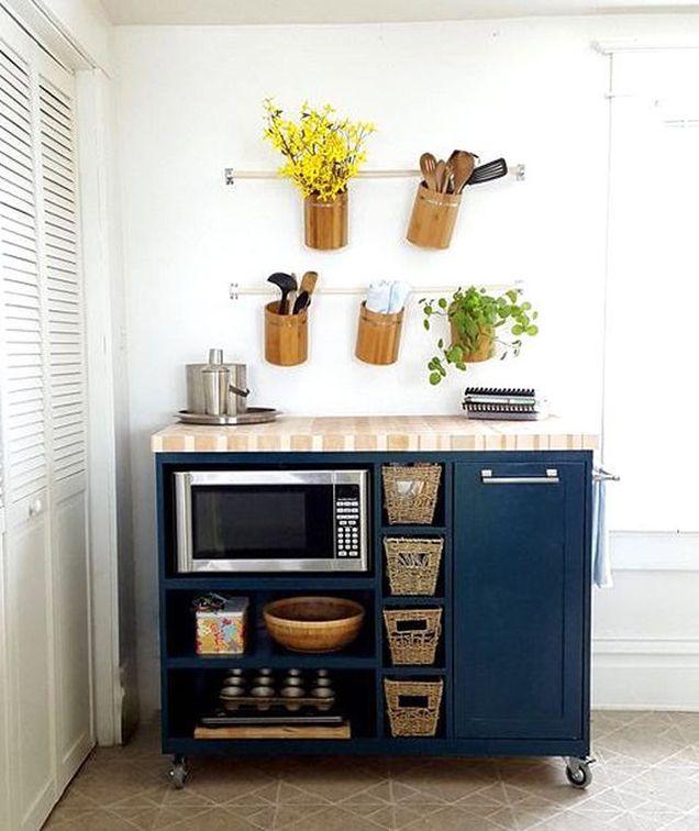 Shop Simple Living Rolling Galvin Microwave Cart: 9 Ideas Para Decorar La Cocina De Una Vivienda En Alquiler