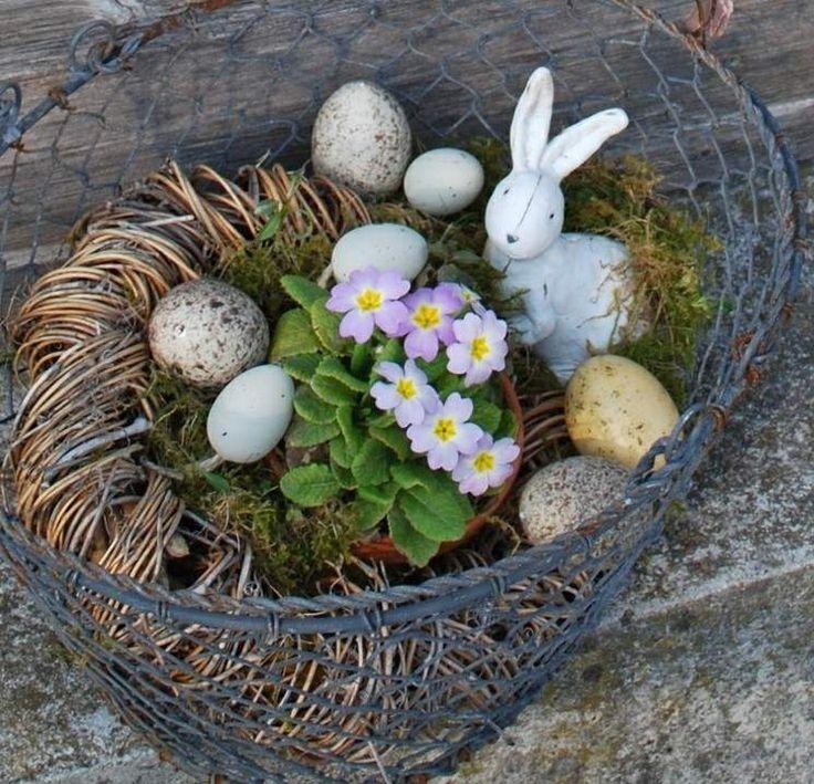 Ideen zu Ostern 2013 - Den Garten dekorieren mit einem Metallkorb