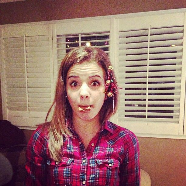 Brittany Raymond as Sienna Oakley
