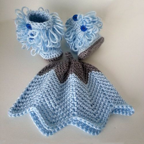 Baby Ugg Bootie / Booties / Boots & Hat Set Newborn by LilCuddles
