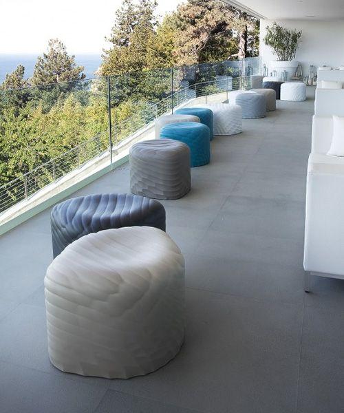 River Stones outdoor poufs | Tonon Italia | design Mac Stopa /// River Stones pufy outdoor | Tonon Italia | design Mac Stopa