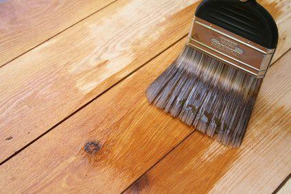 Prepara barniz casero para maderas en exteriores : PintoMiCasa.com
