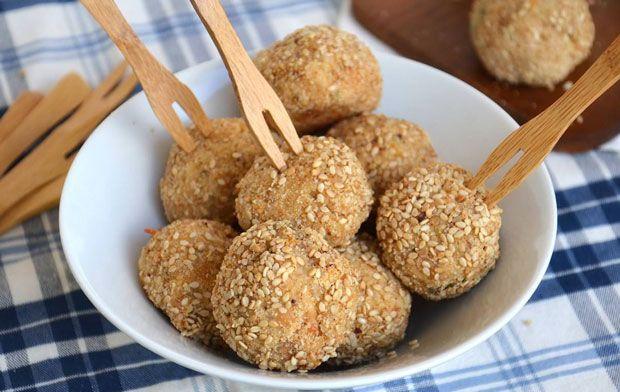 Boulettes de thon et Ricotta, une recette des bouchées moelleuses et délicieuses à préparer rapidement avec votre thermomix.
