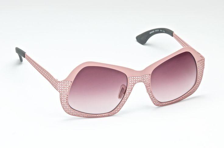 Coll. JUTA  mod. ISM0929 CAL.52 C03 @ioethicalitalianeywear #ioethicalitalianeywear #handmadeinveneto #eyewear #italianeyewear #juta #pink #sunglasses