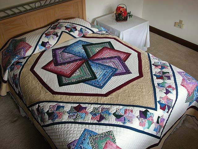 Star Spin Quilt -- exquisite cleverly made Amish Quilts from Lancaster (hs732)