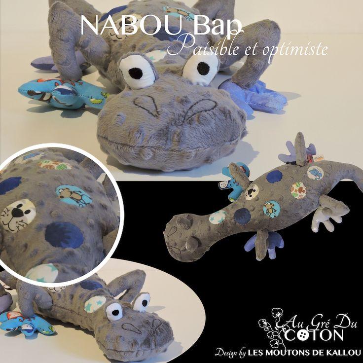#Nabou Bap adopté   Mai 2016 Patron : Les Moutons de Kallou Tissus : Minkee doux à relief pois gris et coton à dominante bleu