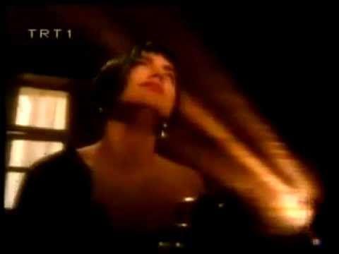 Sezen Aksu- Vazgeçtim ( Orijinal Klip )