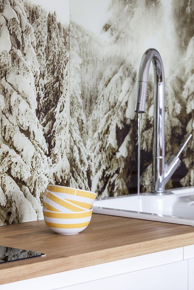 Kuchnia. Apartament  w Zakopanem. #kitchen #faucet #mountains #bateria #kuchnia #interiordesigner #interior #design  Projekt: http://tryc.pl/ Foto: Marcin Czechowicz Stylizacja: Marynia Moś  Publikacja M jak mieszkanie