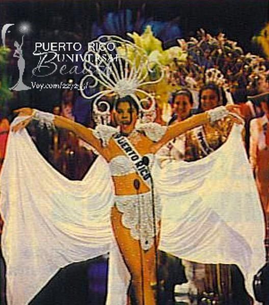 Miss Puerto Rico 1994, Brenda Robles Cortés. Traje típico alusivo a la Perla Del Caribe. #MissUniverse #NationalCostume #BrendaRobles #MissPuertoRico #MissUniverse1994