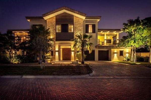 Image Result For Abhishek Bachchan Aishwarya Rai House Dubai Dubai Houses Beautiful Villas House