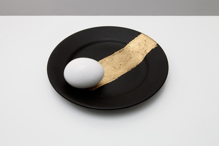 Victor Grippo, La comida del artista (Puerta amplia- Mesa estrecha) (detail)