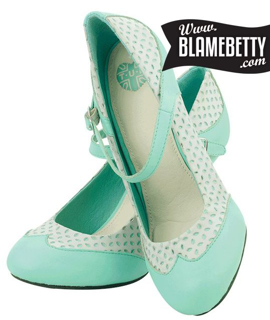 OMG get on my feet right now! These magical minty beauties are perfect for summer. #blamebetty #mintgreen #pinupstyle #vintage
