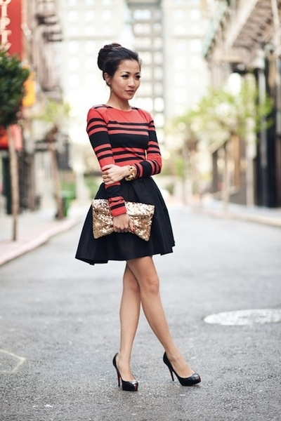 Stripes and full skirt.  The color would turn heads.  For a more office look, lose the purse and wear a longer skirt.