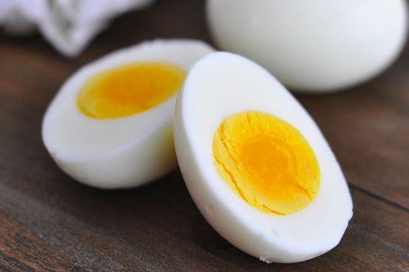 manfaat telur setengah matang untuk bayi