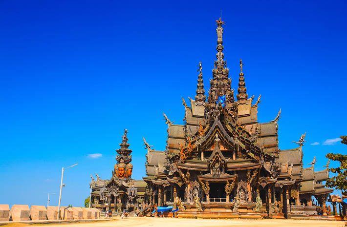 パタヤが誇る巨大木造建築の「サンクチュアリー・オブ・トゥース」パタヤ旅行おすすめのスポット!