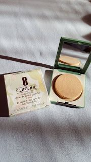 Elisabeth's Blog: Clinique Stay-Matte Sheer Pressed Powder review