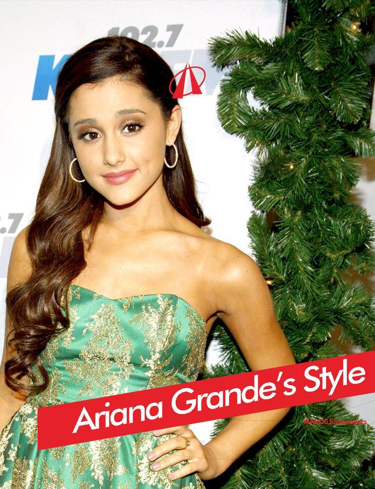 Ariana pun membuktikan dengan menggunakan sneakers, ia juga bisa se-keren dan se-seksi seperti menggunakan high heels. Bawahan legging yang dipadukan dengan atasan crop top serta sweatshirt (jaket) yang diikatkan di pinggang, tetap menonjolkan kesan fashionable dalam dirinya. Ariana juga tak menghilangkan ciri khasnya yang memiliki gaya rambut ber-pony tail. Bagaimana pun penampilannya, baik dengan dress ataupun bergaya kasual, tubuh mungil Ariana tetaplah terlihat keren dan seksi.