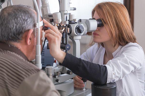 Магнитные имплантаты могут избавить от нистагма   Исследовательская группа успешно использовала магнитные имплантаты для лечения нистагма, состояния, характеризующегося непроизвольными движениями глаз. В тематическом исследовании, опубликованном в «Ophthalmology» и проведенном под руководством Университетского колледжа Лондона и Университета Оксфорда, описывается имплантация недавно разработанного комплекта магнитов в глазную впадину под каждым глазом одного пациента с нистагмом. Это первое…
