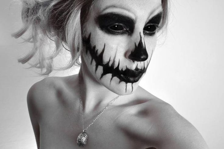 We decided to see what we could do with some simple black facepaint check out our tutorial and inspiration for creepy Scarecrow Halloween Makeup inspired by the Lonely Moon Anatomical Range