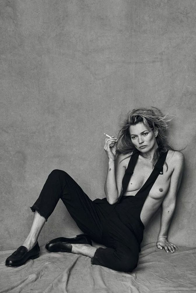 Naked with personality. Kate Moss por Peter Lindbergh. www.goachi.com