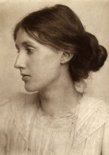 Virginia Woolf in 1902, photo taken by George Charles Beresford. #virginiawoolf