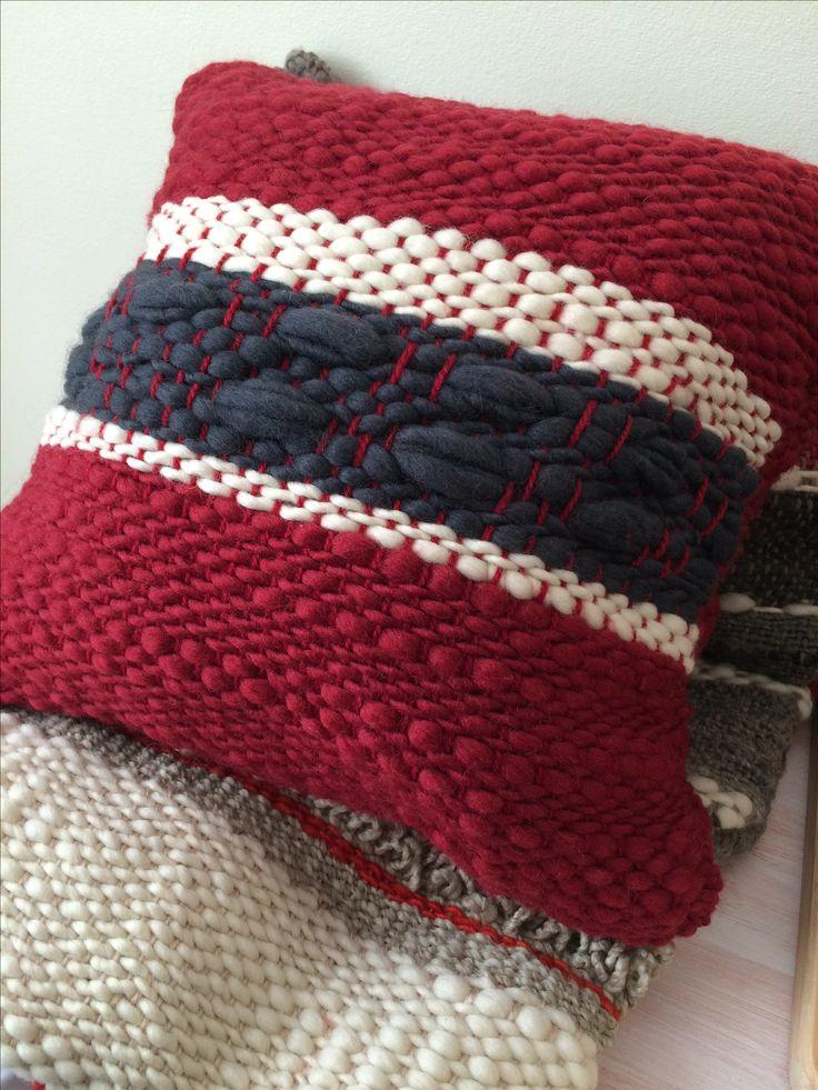 Cojin telar #Cherry, handmade