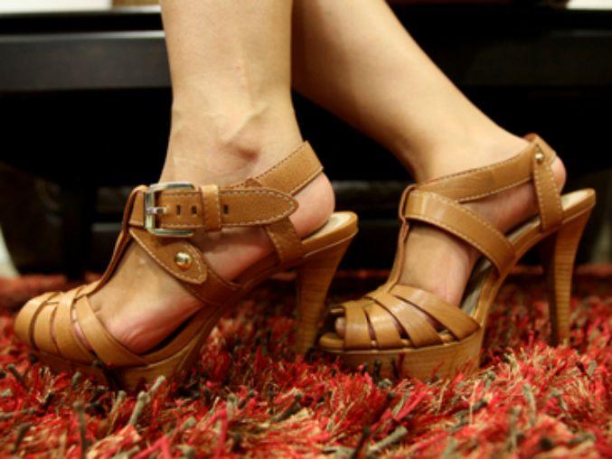 Los juanetes son provocados por factores hereditarios, el uso de calzado puntiagudo y la artritis reumatoide