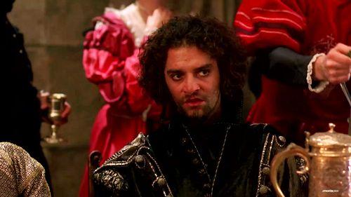 Alvaro de la Quadra (James Frain)