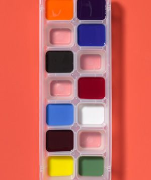 Ice cube tray makes a great paint palette