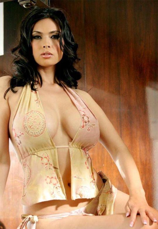 Angelina jolie bukkake