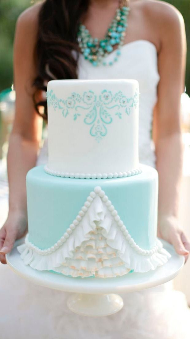 Love This Tiffany Blue & White Wedding Cake ♡