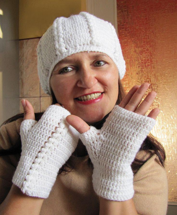 Moje robótki ręczne: Biała czapeczka i mitenki