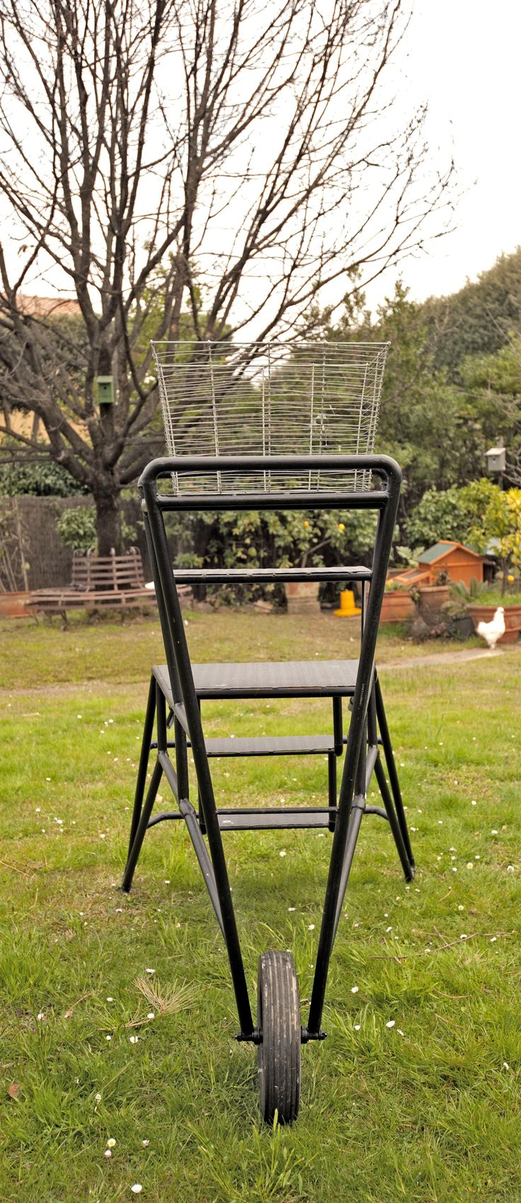 79 best images about garden tools on pinterest gardens forks and versailles - Must tools small garden orchard ...