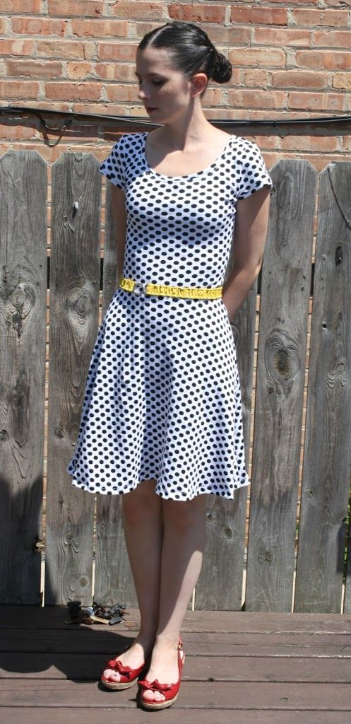 It's always great when you can sew something quick and great and get instant gratification out of it, and so I present to you my Lady Skater Dress! The Lady Skater is a pdf sewing pattern that is available via instant download. It's a wonderful pattern that is written by Amanda of Kitschy Coo. I …