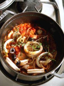 イカのトマト煮 by 小野 孝予 | レシピサイト「Nadia | ナディア」プロ ... さっと炒めたところに白ワインを振り、強火でアルコールを飛ばす。いかのわた、トマト、オリーブ、タイム、塩、こしょうを入れ、蓋をして数分煮たら出来上がり!