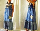 Vestido de COSTUMBRE LA ORDEN Ethnic Country Folk estilo Boho Hippie con pintado a mano y tejido elementos y adornos de encaje